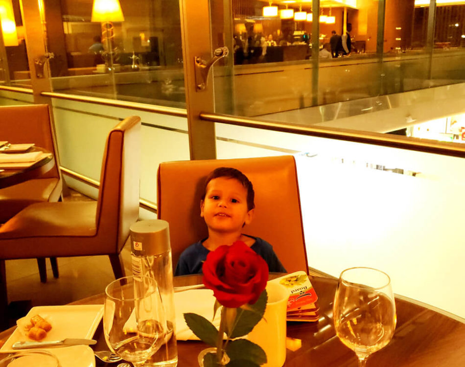 Solomon in Emirates Lounge at Dubai Airport